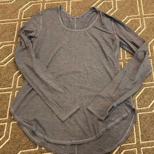 Lululemon traveling yogini long sleeve blue sz 8